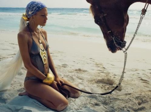 girls-horses-500-3110